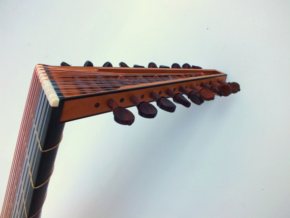 Luth 10 choeurs- Hans Frei-Félix Lienhard-luthier-luth-archiluth-théorbe-guitare baroque-