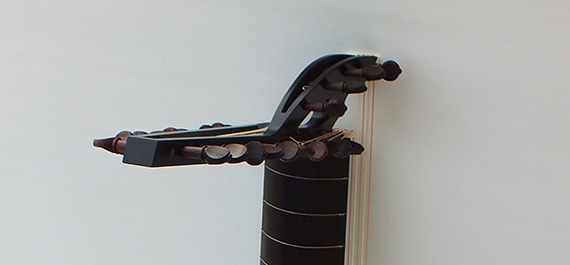 Luth-baroque-peg boxe-Félix Lienhard-luthier-luth-archiluth-théorbe-guitare baroque-
