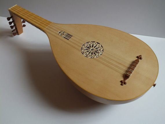 Luth-médiéval-Félix Lienhard-luthier-luth-archiluth-théorbe-guitare baroque