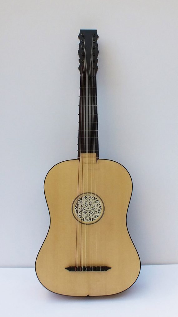 Vihuela de Chambure-Félix Lienhard-luthier-luth-archiluth-théorbe-guitare baroque 1