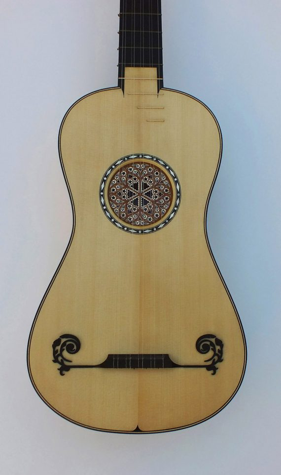 Guitare-baroque-Stradivarius-1700-The Rawlins-Félix Lienhard-luthier-luth-archiluth-théorbe-guitare baroque-