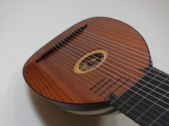 Archiluth-Tieffenbrucker-Félix Lienhard-luthier-luth-théorbe-guitare baroque-