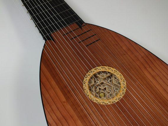 Archiluth-Tieffenbrucker-Félix-Lienhard-luthier-luth-théorbe-guitare-baroque-